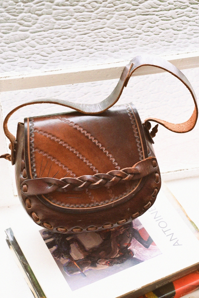 dark-saddle-bag